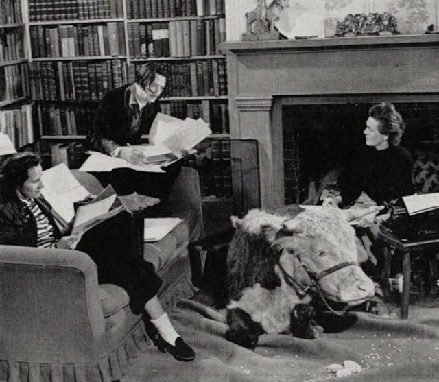 Salvador Dali, Gala e Caresse Crosby, 1941.