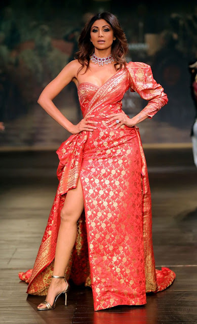 shilpa-shetty-in-monisha-jaising-outfit