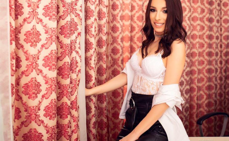 KylieVonDee Model GlamourCams