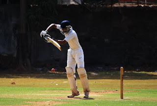 क्रिकेटर हार्दिक  पंड्या और के एल राहुल होंगे क्रिकेट से बाहर।अब नहीं खेलेंगे कोई मैच ।