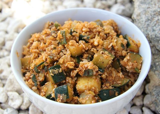 Spicy Zucchini Cauliflower Rice #cauliflower  #vegetarian