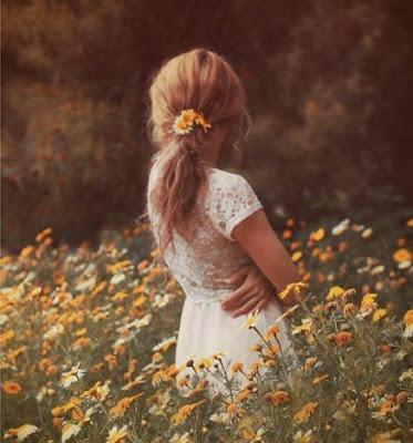 https://s-fashion-avenue.blogspot.com/2020/04/easter-in-lockdown-wearing-flowers-in.html