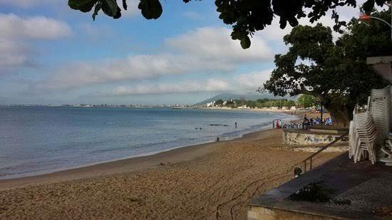 Adolescente grávida é estuprada e enterrada viva em praia de Rio das Ostras