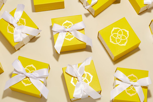 Kendra Scott jewelry gift boxes