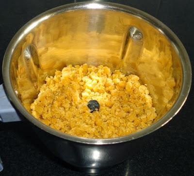 mixture in a miixer jar