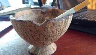 Cara Membuat Asbak Unik Dari Batok Kelapa
