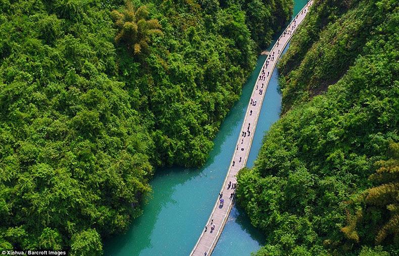 La nueva pasarela flotante de Shiziguan | China