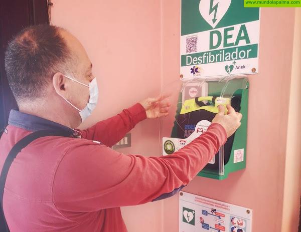 El Ayuntamiento de El Paso instala desfibriladores en edificios públicos y municipales