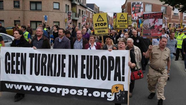 Protestan en Bélgica contra la membresía de Turquía en la UE