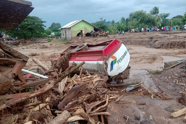banjir bandang ntt, siklon tropis seroja