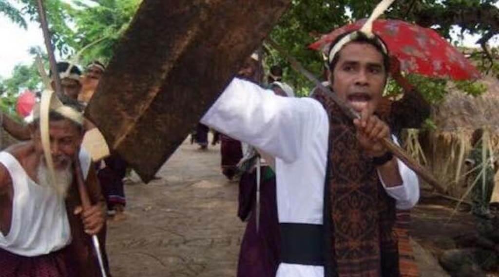 """Pater Tuan Kopong; Adonara Tidak """"Seburuk"""" Yang Kita Pikirkan"""