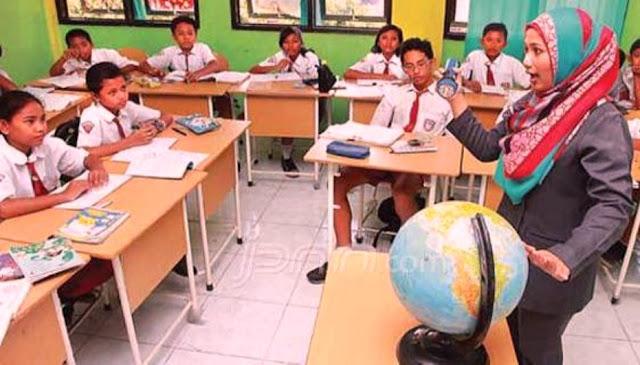 10 Keistimewaan Menjadi Guru SD Yang Membuat Anda Selalu Tersenyum Bahagia dan Awet Muda