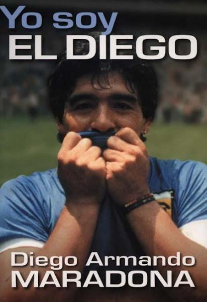 Diego besando la camiseta argentina