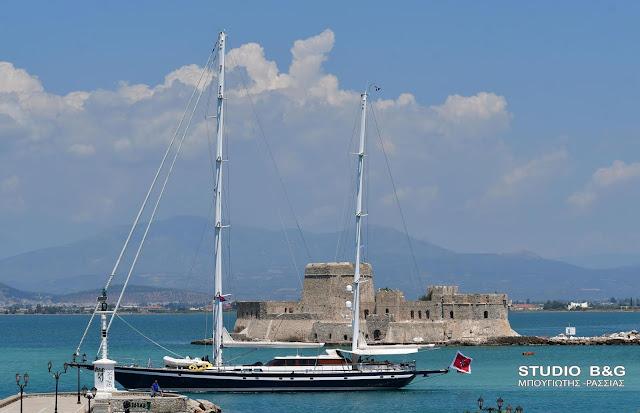 Ένας πολυτελής Νότιος άνεμος στο Ναύπλιο