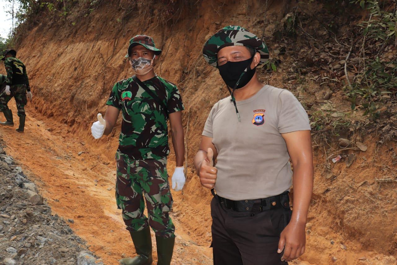 Sinergis Dan Kompak TNI-Polri Di Lokasi TMMD