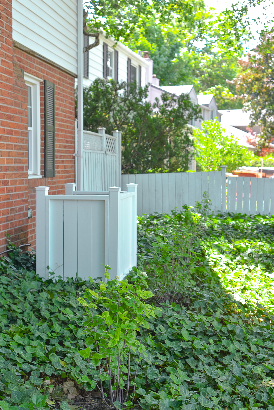 air conditioner fence, diy air conditioner fence, how to hide air conditioner