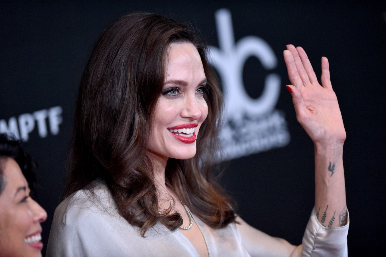 Angelina Jolie – Hollywood Film Awards 2017 in Los Angeles