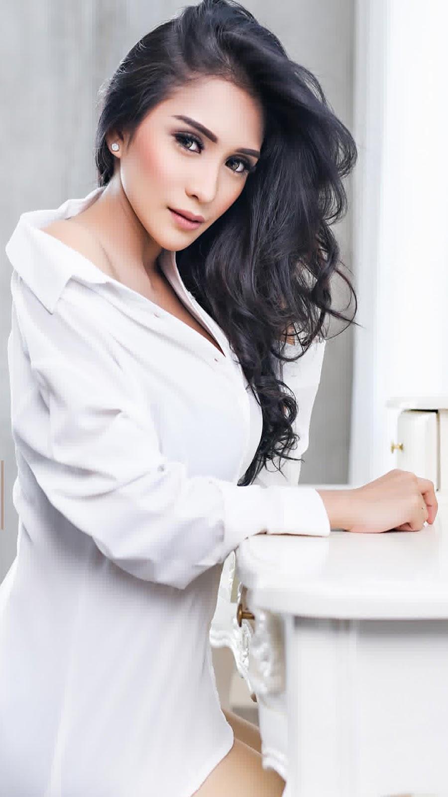 Harga jual online HEM kemeja putih seksi wallpaper terbaru Nadia Ervina Aka DJ Bibie Julius