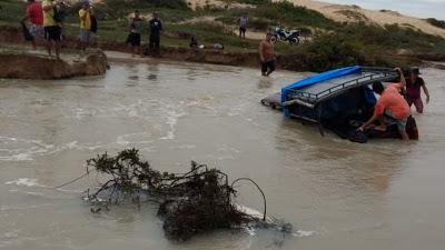 Vila de Jericoacoara fica isolada após fortes chuvas