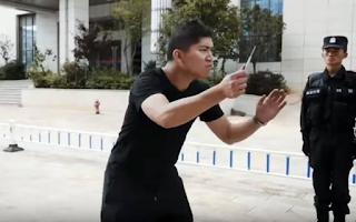 Μαθήματα αυτοάμυνας από την κινεζική αστυνομία - ΒΙΝΤΕΟ