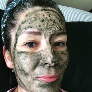 facial, facial en casa,  cuidado de la piel a los 40, cuidado de la piel a los 50, cuidado de la piel, salud, belleza, isol fernandez