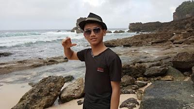 Pantai Watulepek Malang