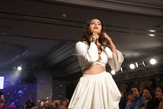 Meenakshi Dixit Walks the Ramp At Designer Nidhi Munim Summer Collection Fashion Week (5).JPG