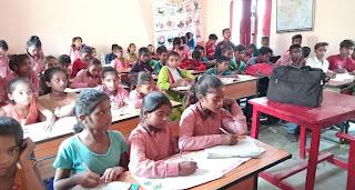 विद्यालयों में कोविड नियमों का नहीं हो रहा अनुपालन  | #NayaSaberaNetwork