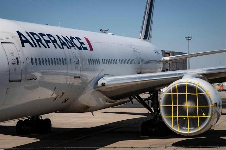 Decrescimiento lei ambientalista deixa avião da Air France lacrado em desuso
