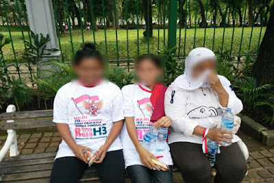 Pengakuan...!!! Para Ibu Ini Dijanjikan Uang Rp 20 Ribu agar Ikut Parade Bhinneka Tunggal Ika