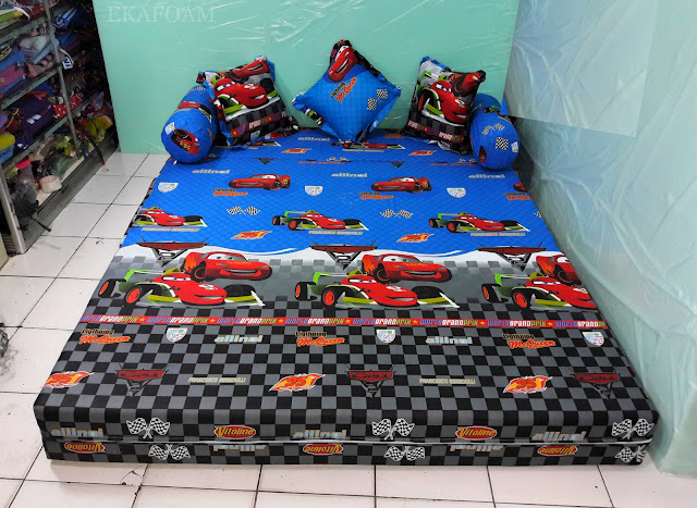 Sofa bed inoac the car biru