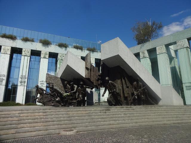 [Viajando na História]  O mês de Agosto na História - Levante de Varsóvia