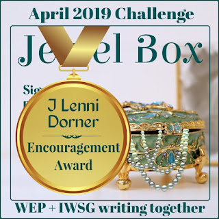 THE ENCOURAGEMENT AWARD FOR THE 2019 WEP APRIL CHALLENGE JEWEL BOX goes to @JLenniDorner #WEP #WEPFF