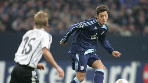 Chân dung tiền vệ Mesut Ozil