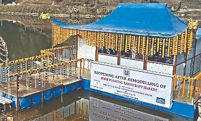 Mirik floating market sets sails again