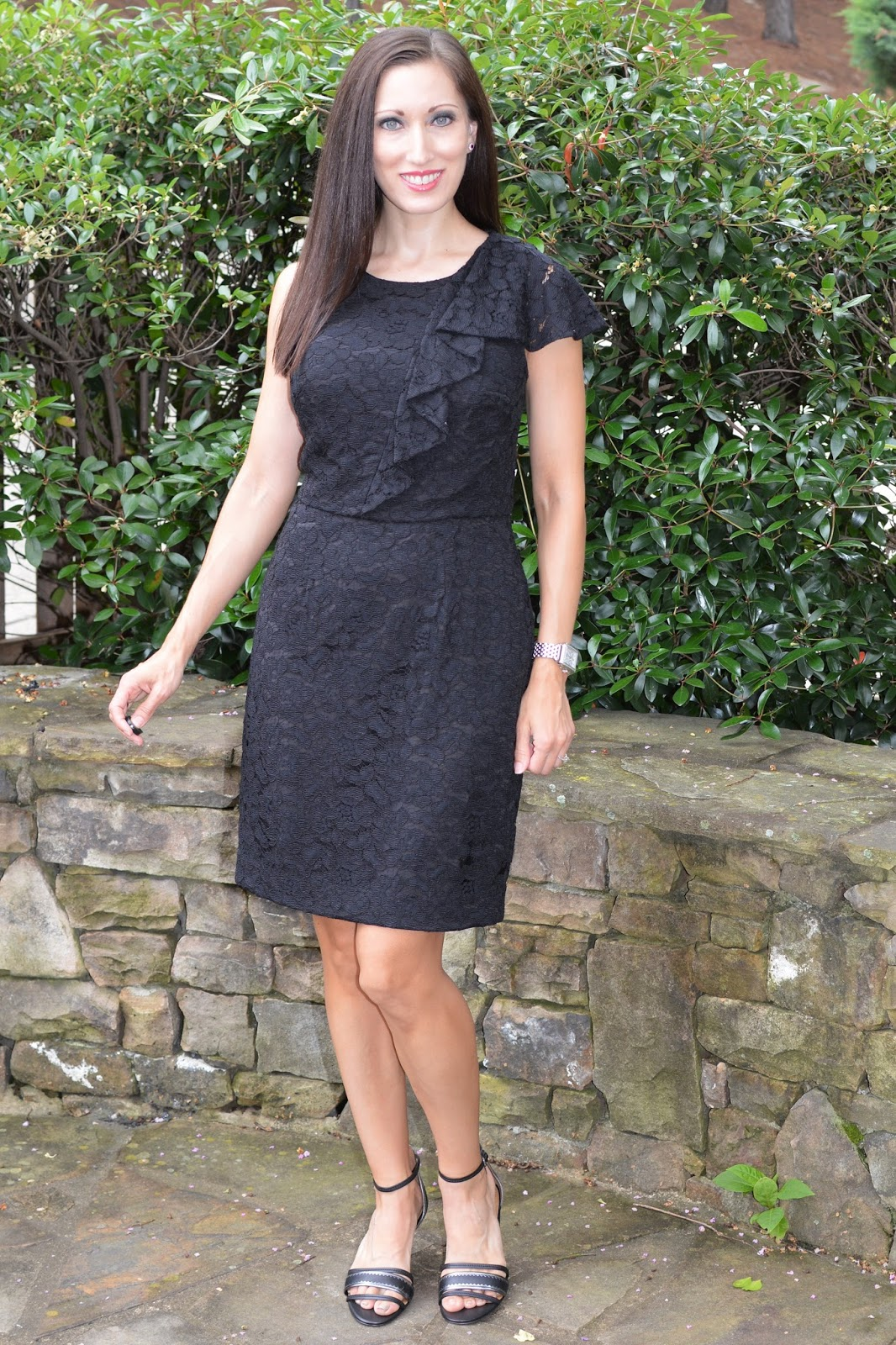 a68e6940dae Everyday Fashionista - Atlanta Blogger: In Search of the Best Deal