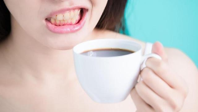 5 Cara Memutihkan Noda Kopi Pada Gigi, Bisa kamu lakukan saat gosok gigi, caranya yang penting