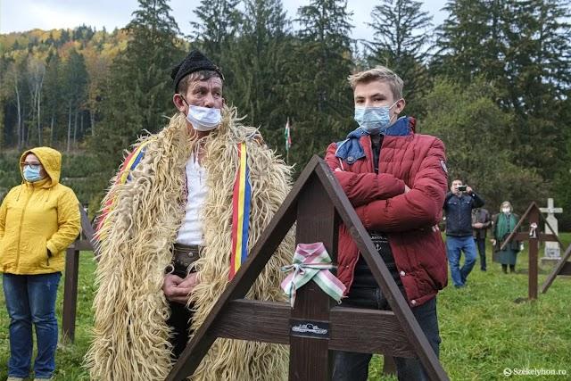Vasárnap délután is meggyalázták az úz-völgyi temetőt a románok