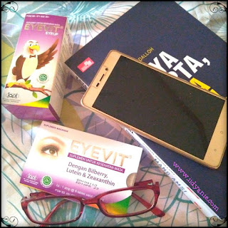 kegunaan eyevit vitamin mata solusi atasi radiasi gadget seperti hp dan laptop
