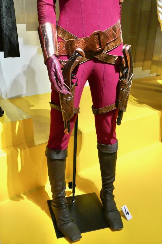 Zorii Bliss costume legs Star Wars Rise of Skywalker