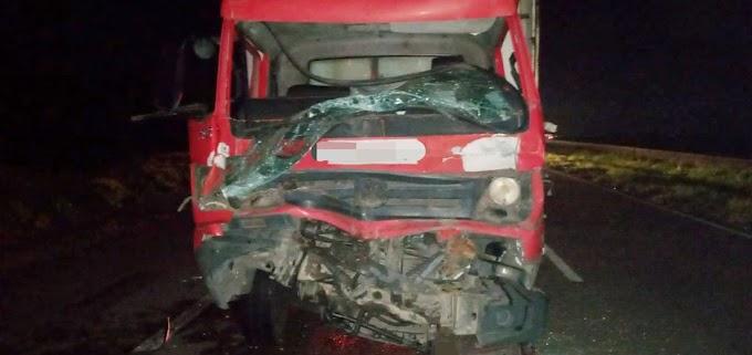 Motorista morre em colisão entre dois caminhões na BR-101, em Igarassu