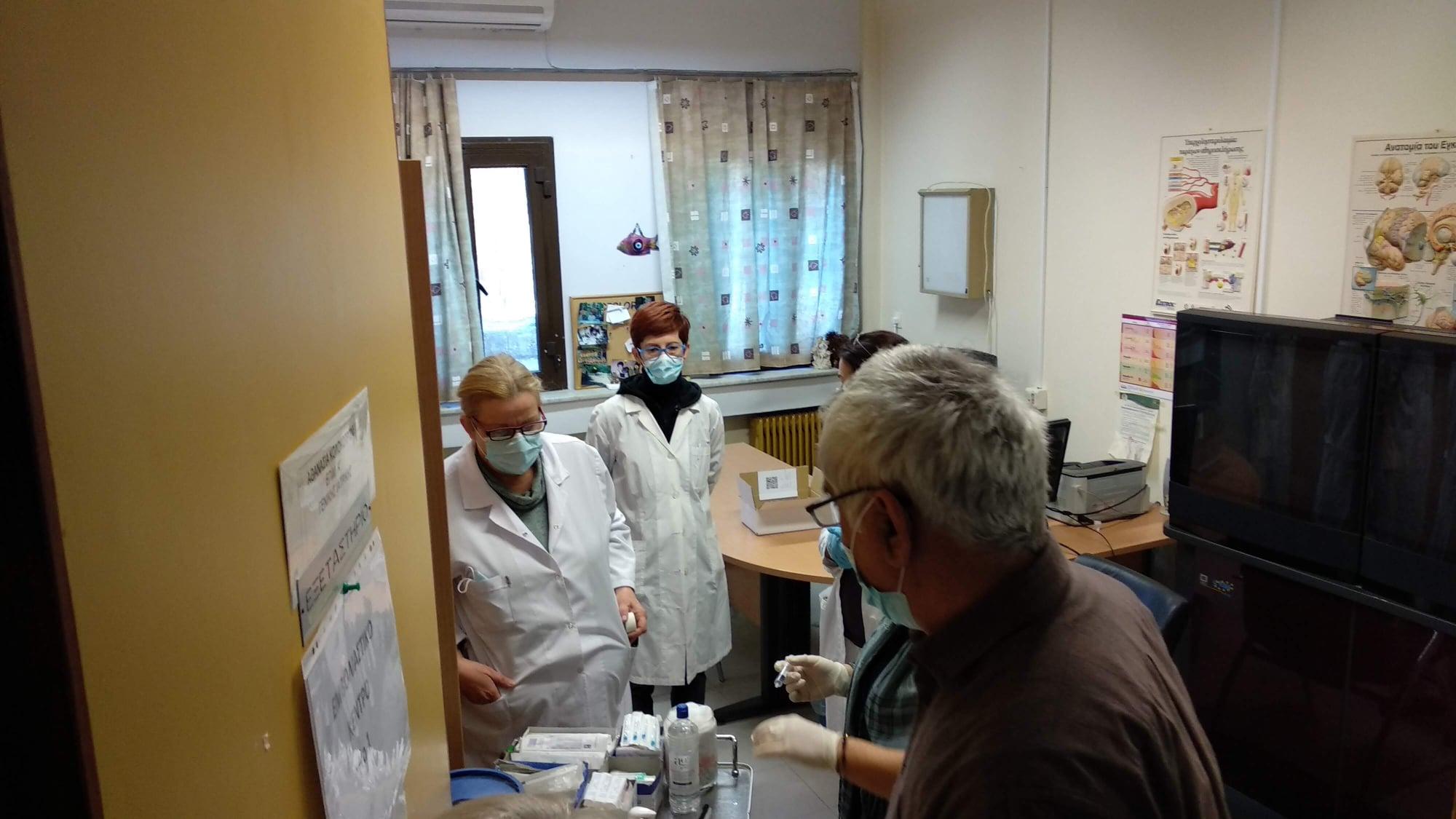 Ξάνθη: Εμβολιαστικό κέντρο στον Εχίνο - Ξεκίνησαν τα εμβόλια