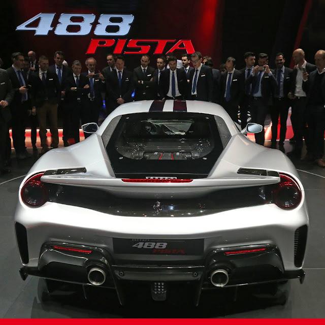 Ferrari 488 Pista back