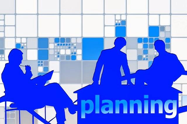 personas en oficina planeando
