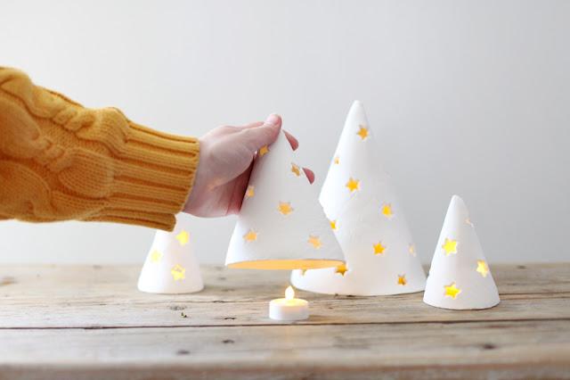 Árboles de Navidad diy con arcilla para decorar tu hogar