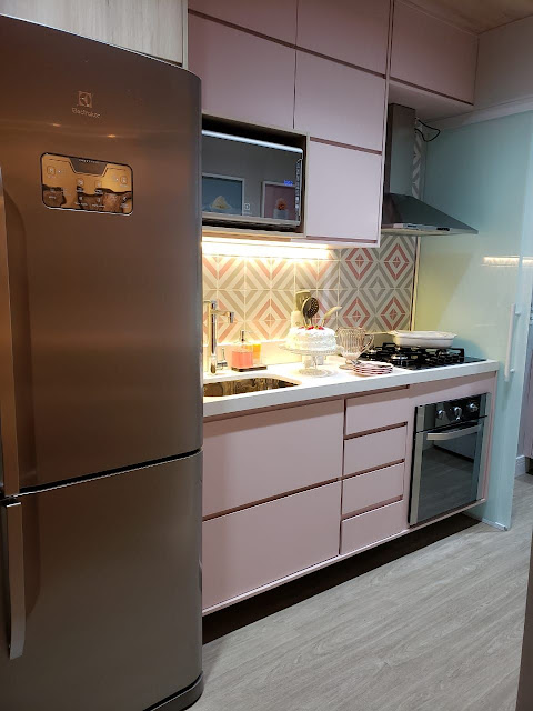 cozinha-pequena-rosa