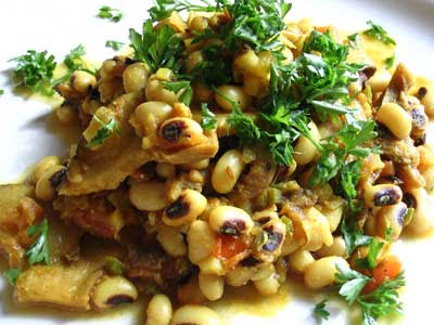 Curried Black-Eyed Peas with Dried Mushrooms