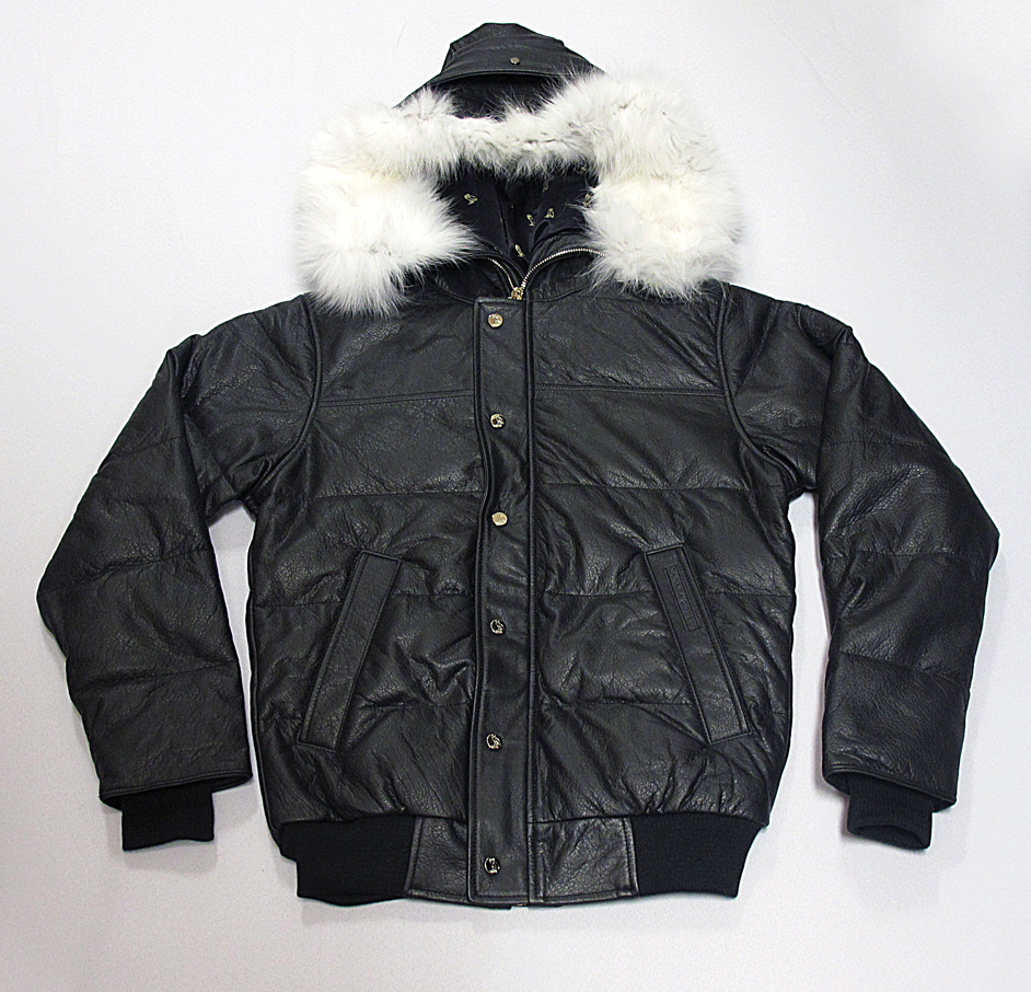 a68e060d4c445a The OVO x Canada Goose Chilliwack jacket features a buffalo leather  exterior