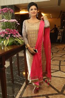 Anandhi new glam pics 004.jpg