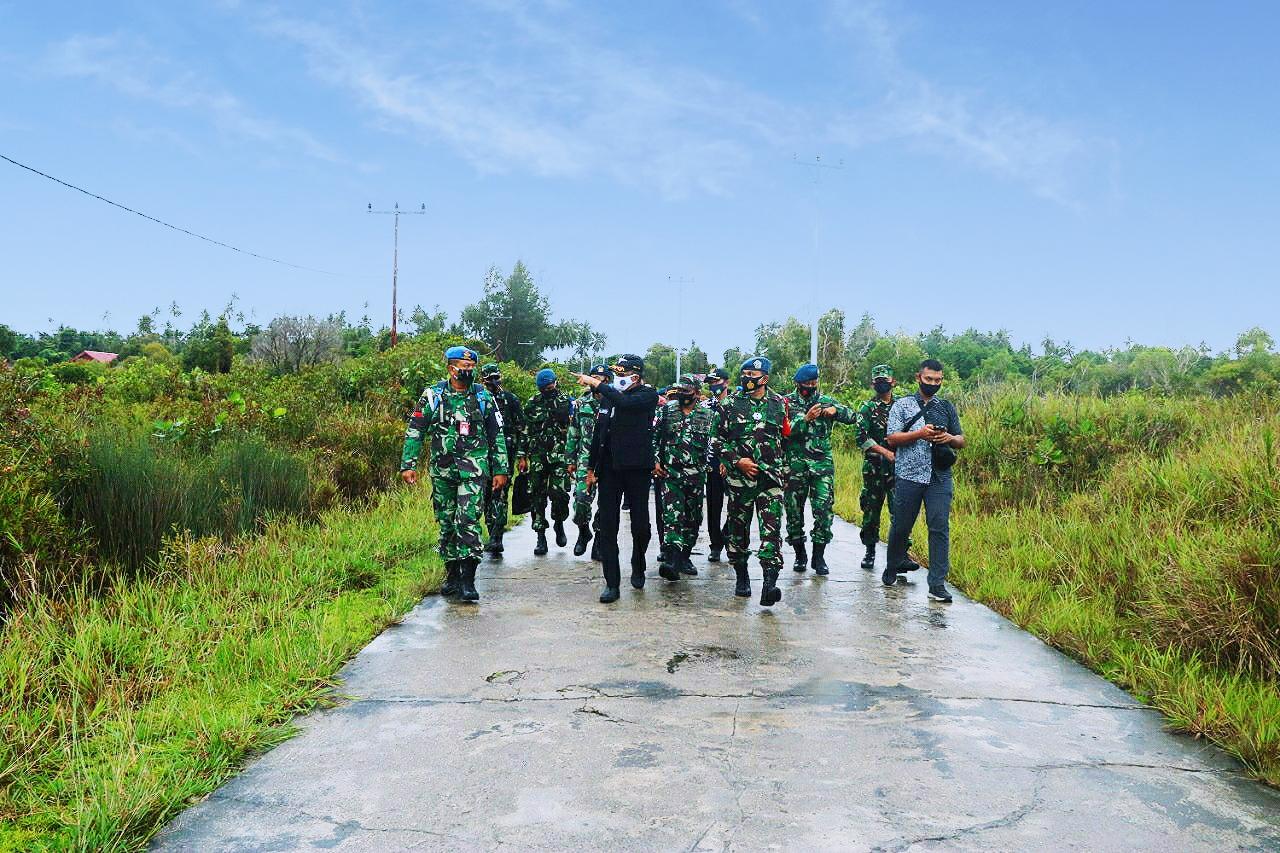 Danlanud Bersama BPN Kabupaten Natuna Ke Pulau Subi Tinjau Aset Landasan TNI AU Peninggalan Jepang
